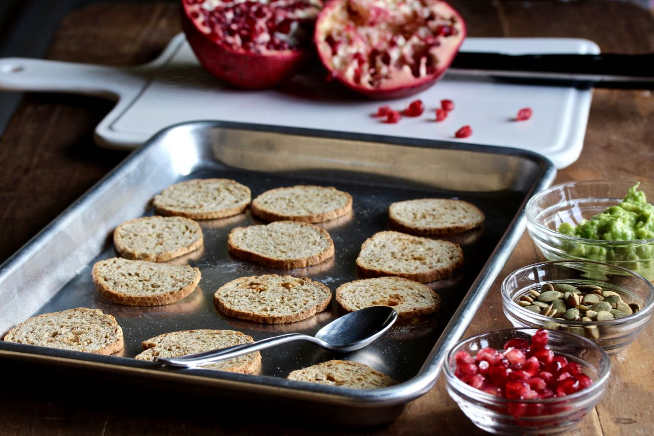 Avocado Pomegranate Toastettes