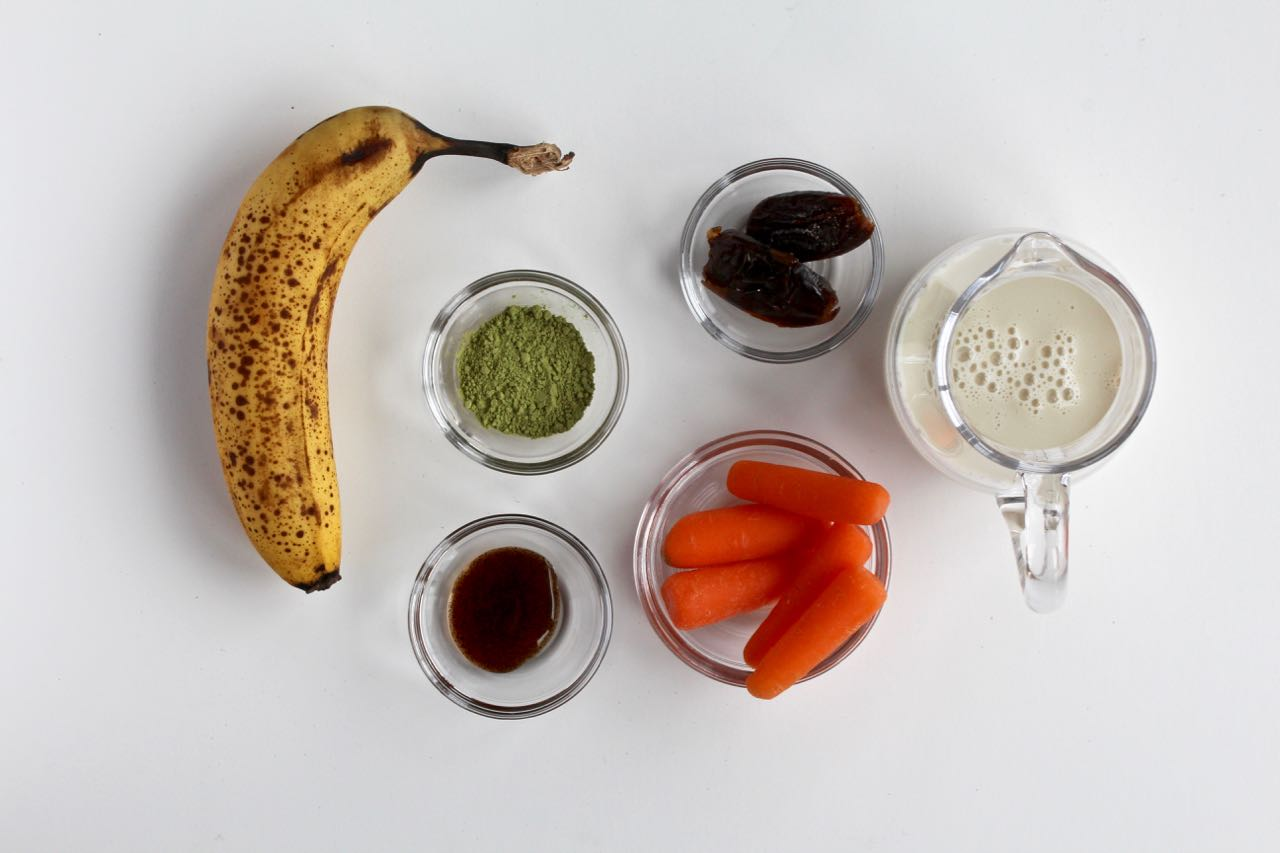Need a new smoothie recipe? Give this vegan Vanilla Matcha Carrot Smoothie a Try! @cookinRD   sarahaasrdn.com