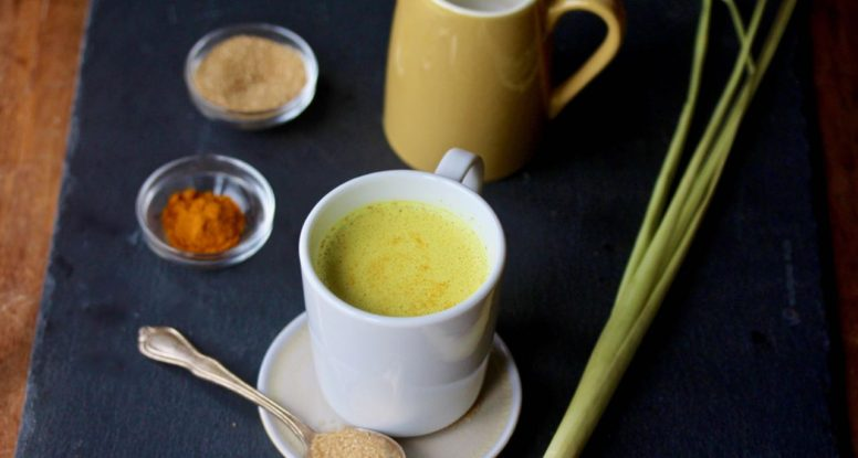 Put a refreshing twist on your turmeric latte by adding a little lemongrass! Interested? I thought so, try this simple Lemongrass Turmeric Latte recipe! @cookinRD | sarahaasrdn.com