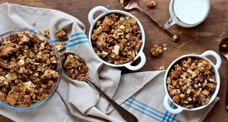 Chocolate and bananas are a perfect pairing. That's why this Chocolate Chip Banana Granola is just too good to be true! @cookinRD | sarahaasrdn.com