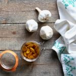 Think confit is something you can only get at restaurants? No way! Learn how to make this super easy, addictive Garlic Confit! @cookinRD   sarahaasrdn.com