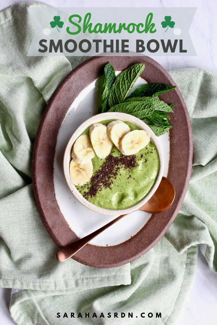 A very lucky bowl indeed! Try these Shamrock Smoothie Bowl and feel as lucky as a leprechaun! @cookinRD | sarahaasrdn.com