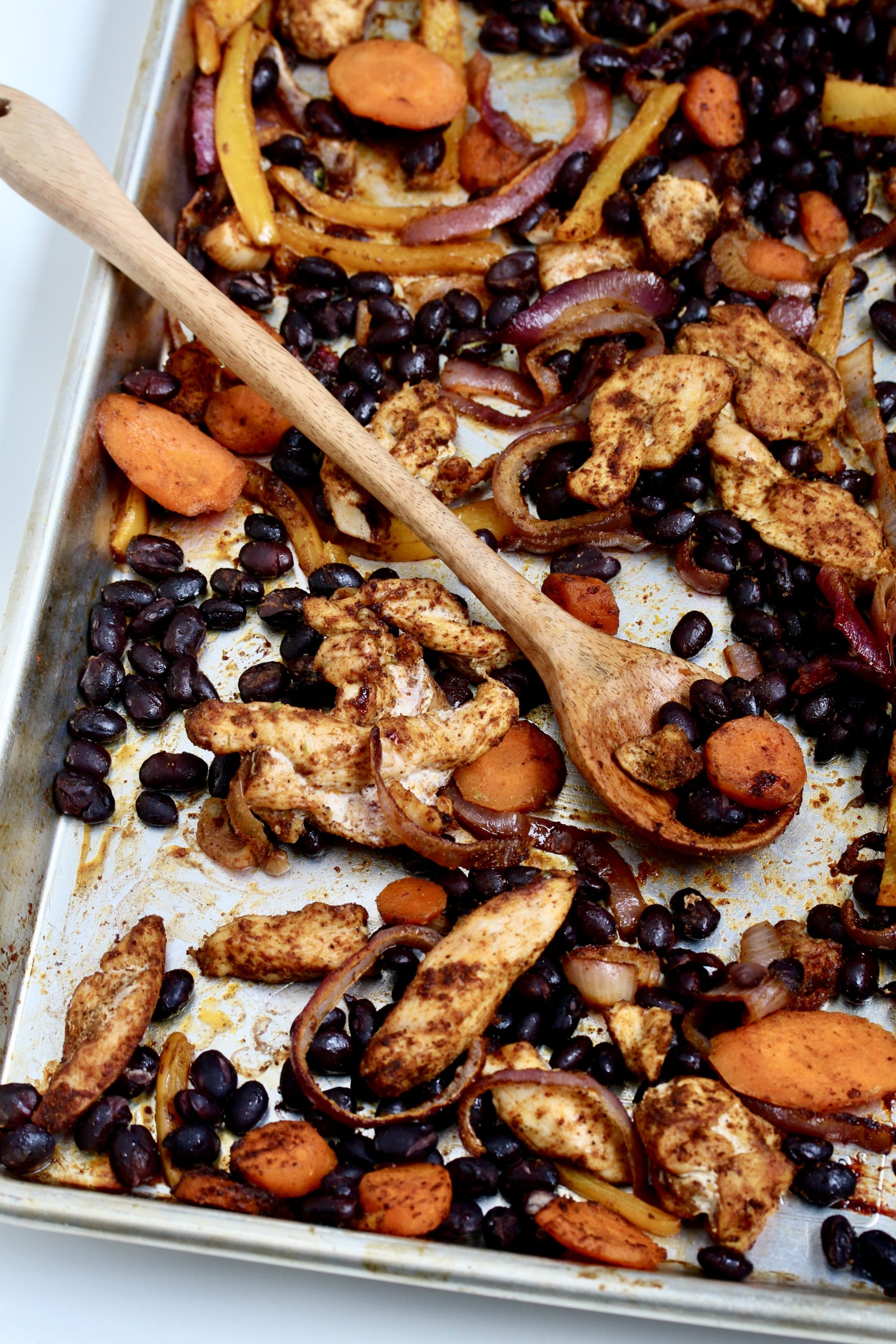 Weeknight dinner is easy with these Sheet Pan Chicken Tacos! | @cookinRD