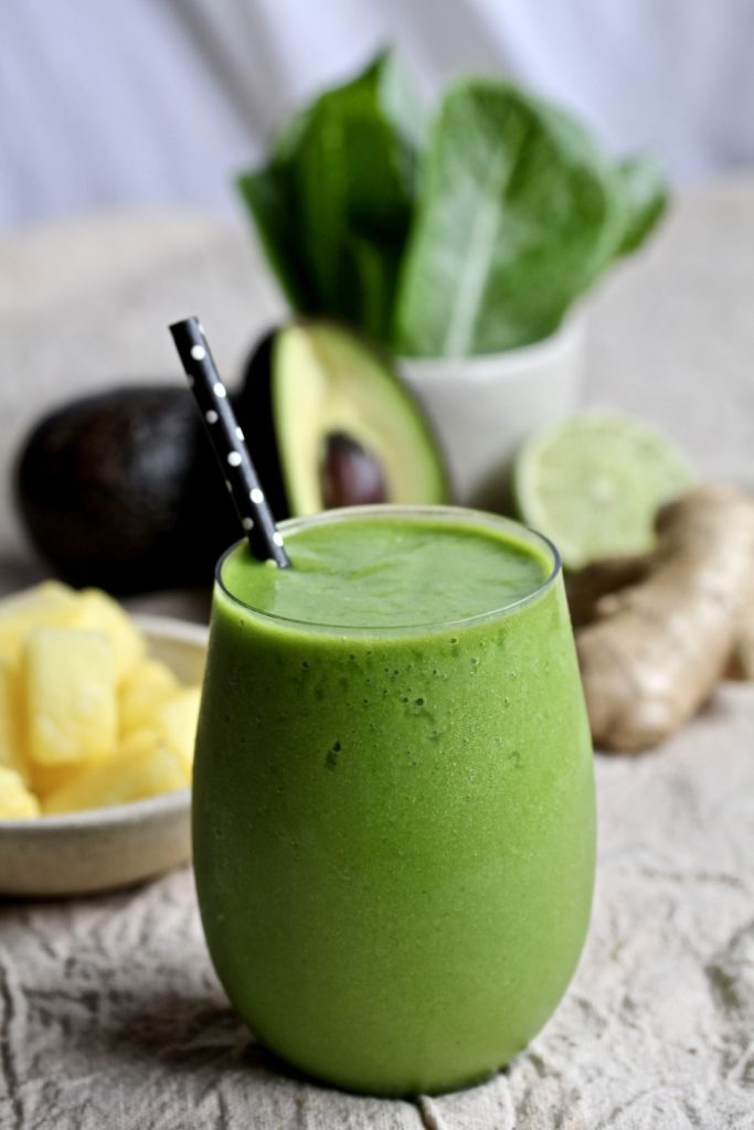 Ginger Pineapple Green Smoothie | sarahaasrdn.com