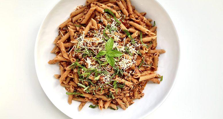 Penne Pasta with Tomato Vodka Sauce | sarahaasrdn.com