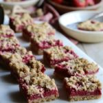 Berry Crumble Bars | sarahaasrdn.com