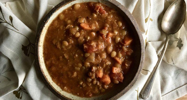 Veggie Lentil Soup | sarahaasrdn.com