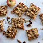 Streusel Apple Pie Bars | sarahaasrdn.com