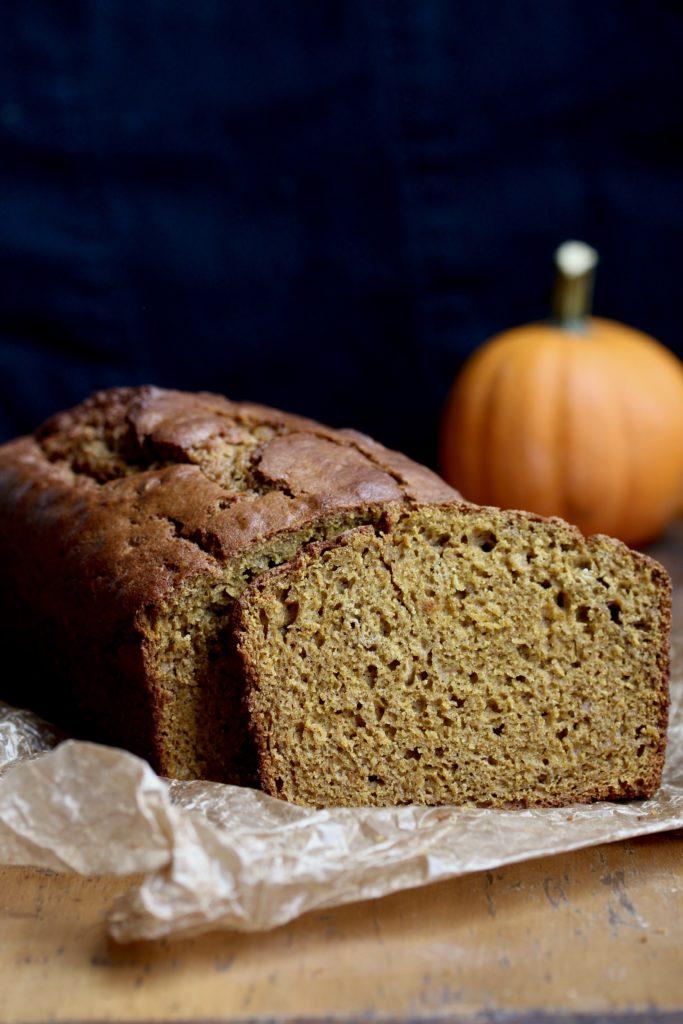 Best Homemade Pumpkin Bread | sarahaasrdn.com