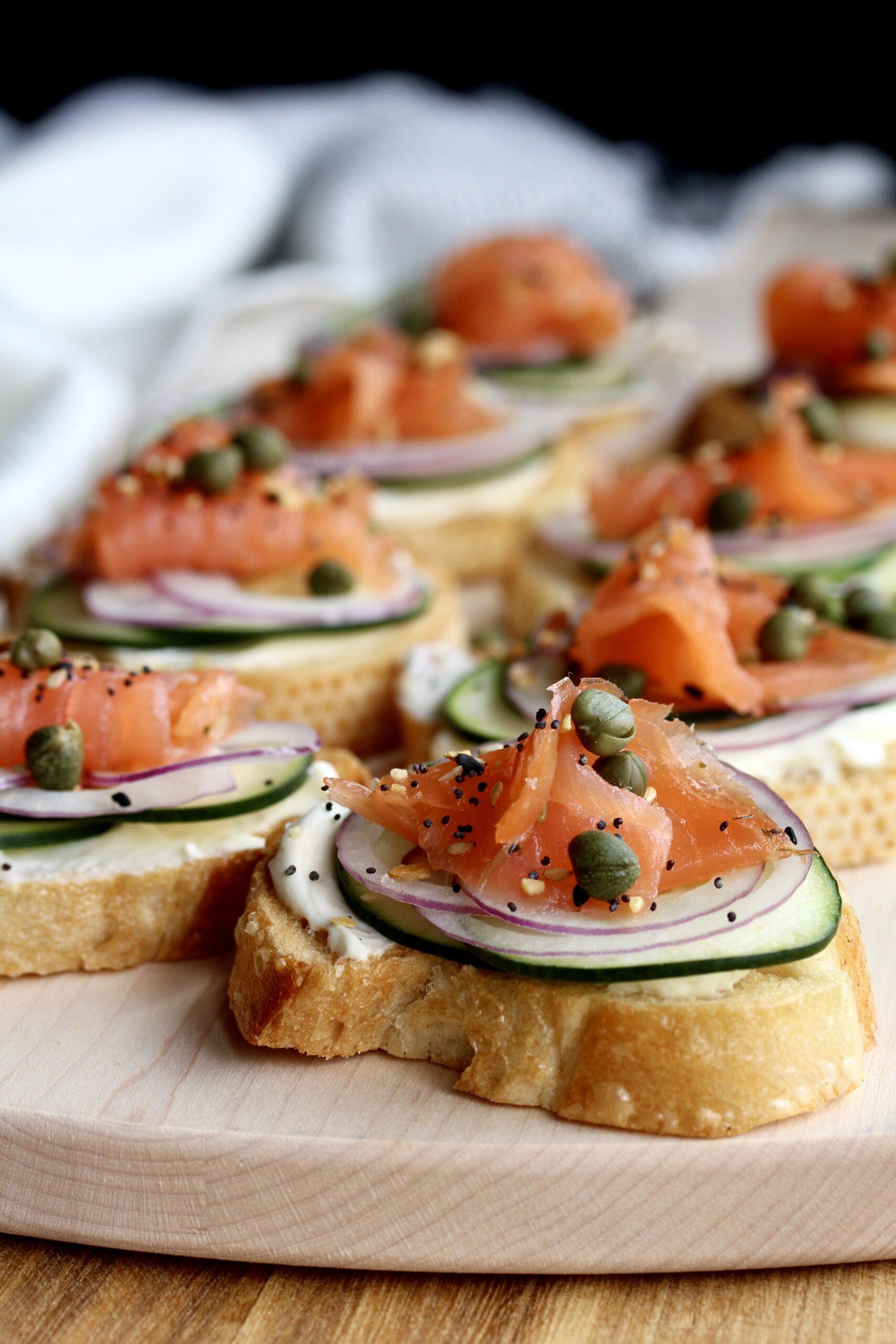 Everything Bagel Smoked Salmon Toasts | sarahaasrdn.com