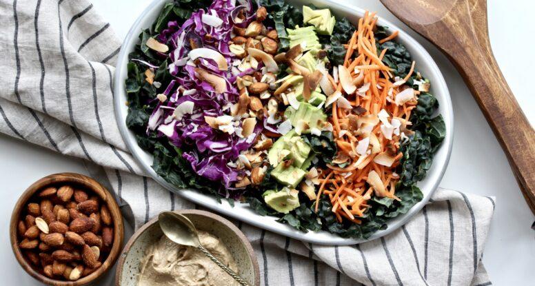 Crunchy Kale Salad | sarahaasrdn.com