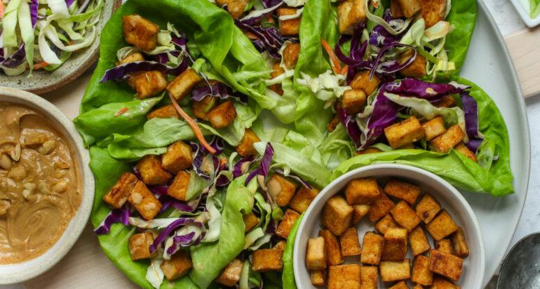 Crispy Tofu Lettuce Wraps | sarahaasrdn.com