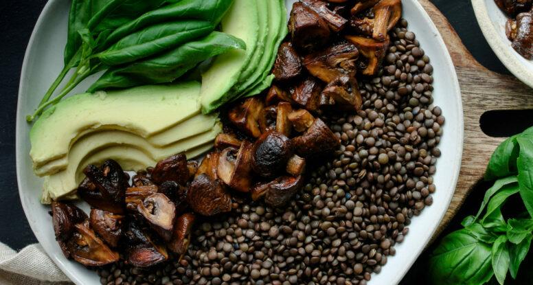 Roasted Mushroom Balsamic Lentils | sarahaasrdn.com