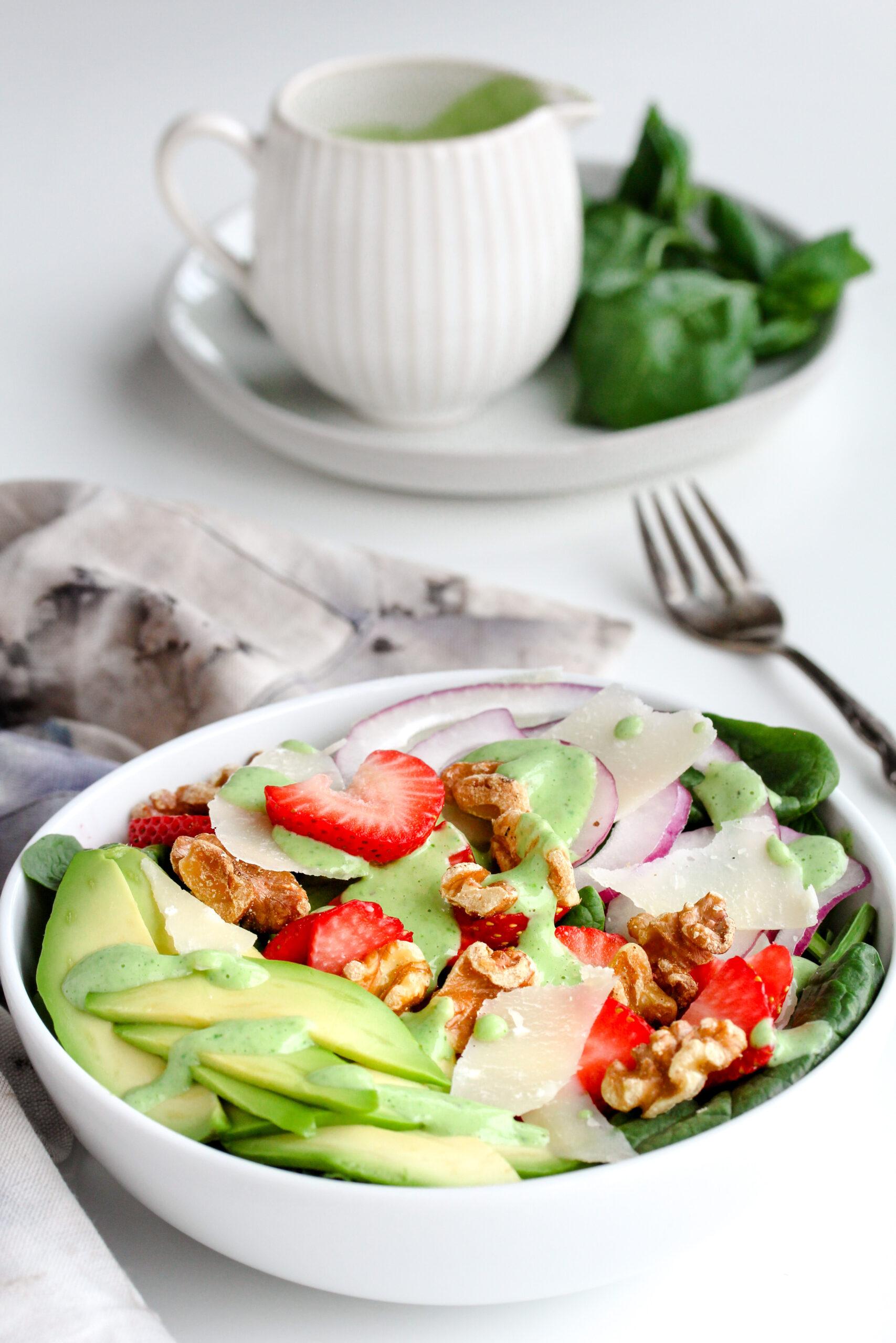 Spinach Salad with Basil Buttermilk Dressing | sarahaasrdn.com