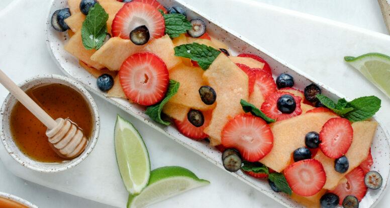 Cantaloupe Berry Salad | sarahaasrdn.com